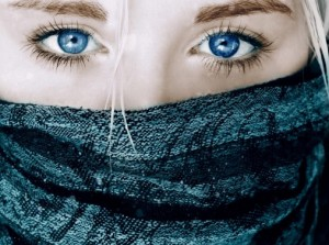 Girls___Beautyful_Girls_Blue_eyes_and_a_grey_scarf_047204_