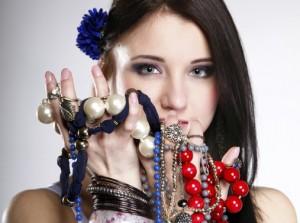 1401255823_jewelry-girl-3