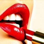 Фото - Эффективная защита для женщины – электрошокер или губная помада?