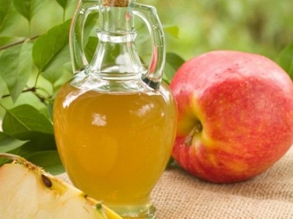 Смазывать «звездное место» яблочным уксусом
