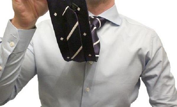 Как носить шелковый галстук