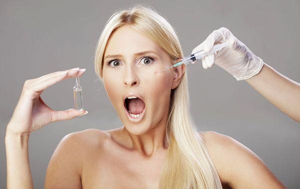 В каком возрасте стоит делать инъекции гиалуроновой кислоты