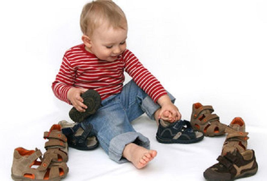 Определяемся с размером детской обуви