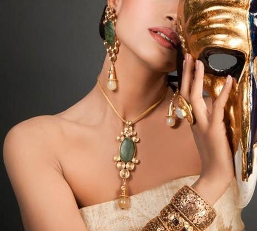 Уникальные украшения из золота